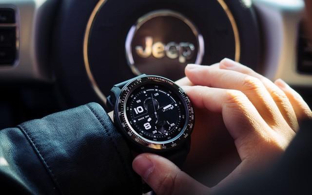 """「體驗」手腕上的Jeep""""牧馬人""""!功能超強大的智能手表,還能戴著游泳!"""