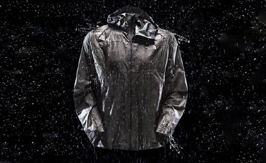 史上最轻最透气的冲锋衣,暴雨下还能让你不湿身