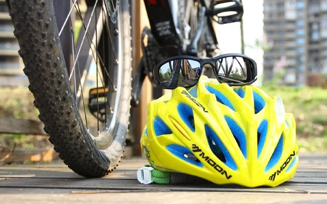視頻 | 我騎了8年自行車,為啥每次都要戴運動眼鏡