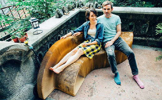能自由伸缩变形的纸椅子,最大竟能承重2吨