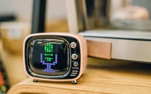 音箱也能用来聊天打游戏?Tivoo让你大开眼界 — Divoom Tivoo像素蓝牙音箱万博体育max下载