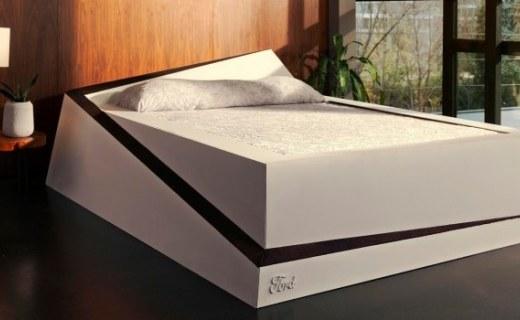 """福特發布""""自動平衡床"""":可防床伴擠占睡眠空間!"""