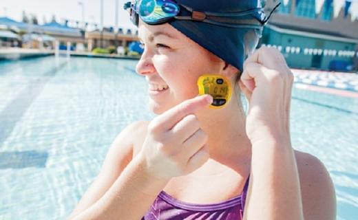 Finis Tempo Trainer Pro水下節奏器:隨身私人助教,預約定時提示節奏
