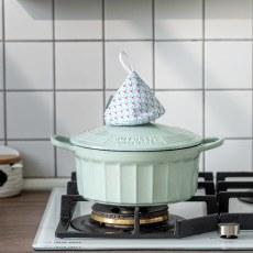 高颜值的珐琅铸铁锅:一锅多用易清洗,它让料理增色!