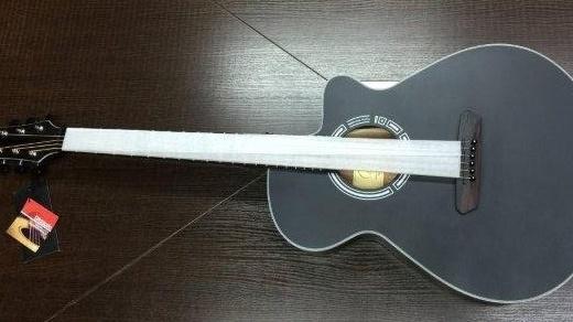 一把充滿黑科技的智能吉他,邊玩邊學讓你變大師