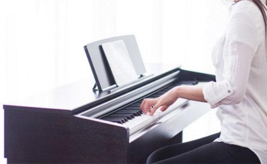 雅马哈YDP-103R数码钢琴:纯音音色采集,操作简单新手适用