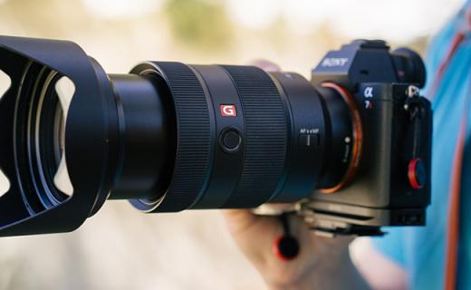 索尼FE24-70GM鏡頭:索尼微單標變鏡皇,F2.8恒定光變全開即銳