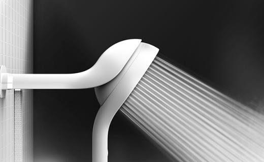 能隨意調節方向的磁吸花灑,輕觸開關還能調溫
