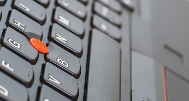 以為輕薄本很差 ThinkPad X395 其實還可以用