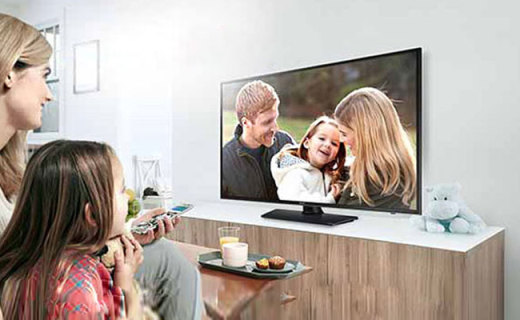 """三星LED液晶電視:""""壕""""大的32吋高清屏,全家人的HD暢快視覺盛宴"""