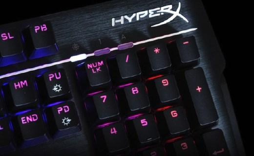 金士頓機械鍵盤:1600萬背光炫酷,青軸材質游戲靈敏快速