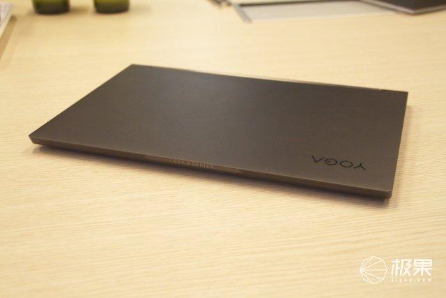 YOGAC940上手體驗:自帶手寫筆,還把音箱藏進轉軸?