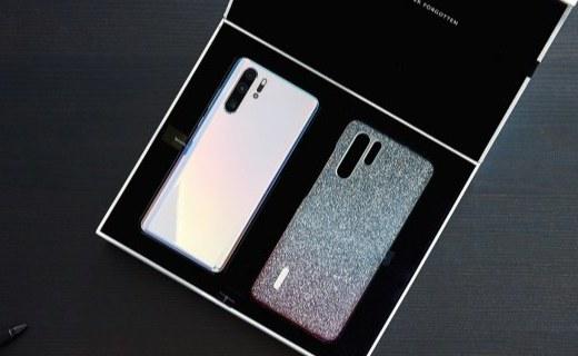 「新东西」华为P30 Pro施华洛世奇限量套装图赏:手机壳都能熠熠生辉!