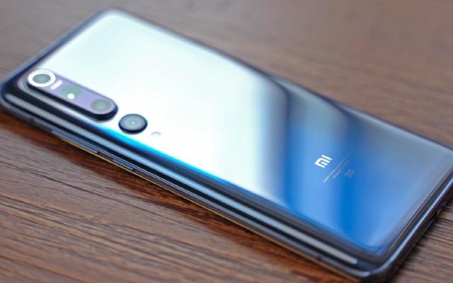 人生中第一臺四千元的小米手機,小米10值不值得買?