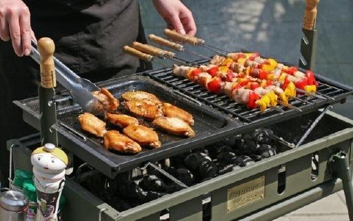 烧烤世家威戈烧烤炉:五档可调节支架,都能做烤乳猪