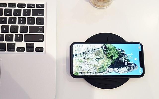 邦华Z1无线充电器体验,可充iPhone华为小米坚果多个品牌