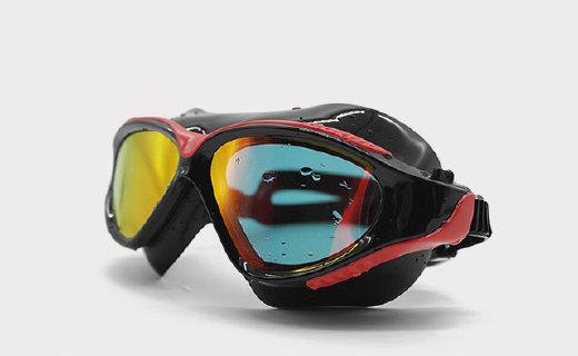 Merit泳镜:UV防紫外线涂层,硅胶束带佩戴更舒适
