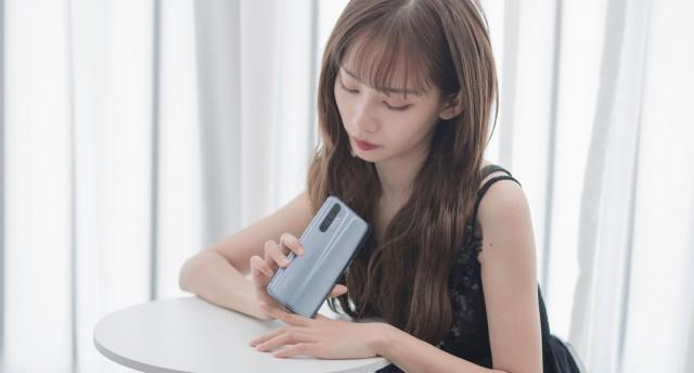 realme X50 Pro玩家版小姐姐開箱