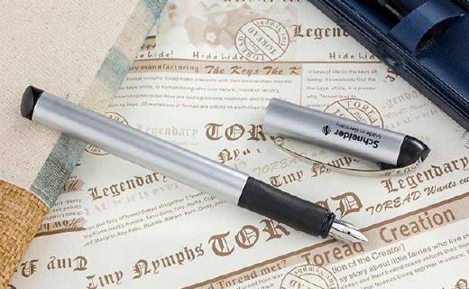 施耐德鋼筆:獲德國IF設計大獎,筆桿一體成型精細工藝