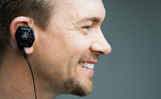 首款入耳平面振膜耳機,Lightning接口蘋果專用