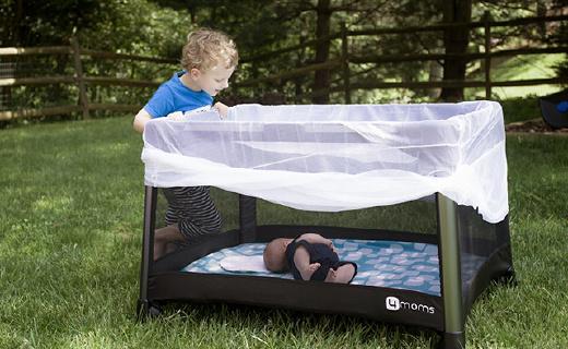 帶娃神器折疊兒童游戲床,一壓一拉輕松開合