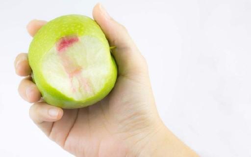 牙齦出血怎么辦?德國SEEUDAY智能聲波電動牙刷實測