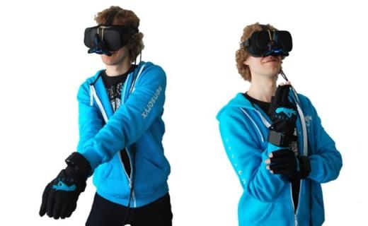 讓游戲更逼真酷炫的VR手套:精確到毫米,支持所有VR設備!