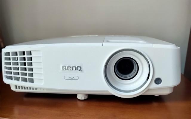 無憂辦公 BenQ E500智能商務投影儀
