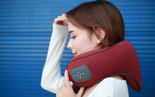 科技新潮音乐颈部按摩仪 引领按摩仪的品类升级