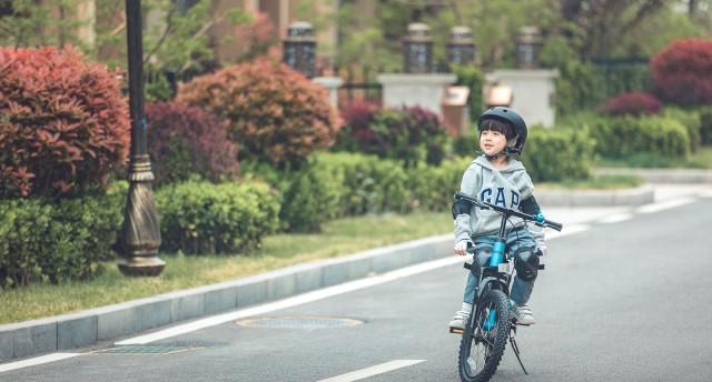 春暖花开,还等什么?让孩子骑着九号自行车出去撒欢吧!