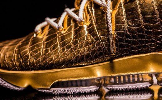 球鞋也能?#24179;穡浚?0万刀的 Nike LeBron 15 客?#29942;?#20320;见过没?