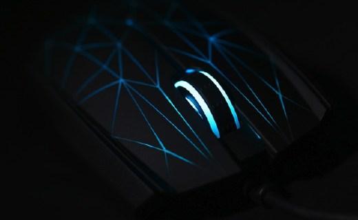 雷蛇太攀皇蛇游戏鼠标:对称设计握持舒适,超强光学感应器游戏畅快