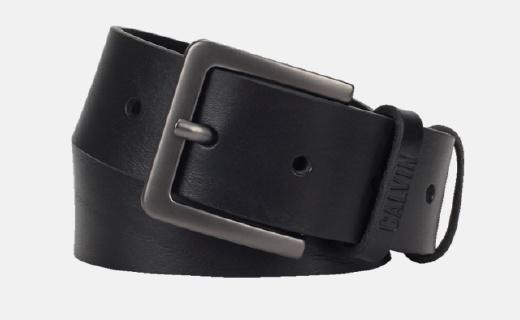 Calvin Klein皮帶:牛皮革柔軟細膩,扣眼設計經典簡約