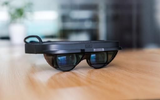 视野最广的AR眼镜:兼容SteamVR,畅玩百款游戏