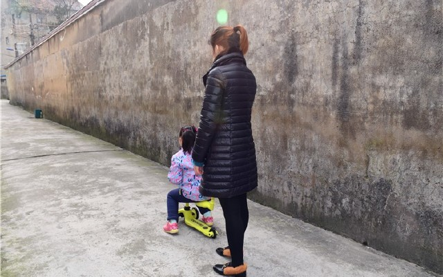 酷骑V3多功能滑板体验:宝贝的新?#25237;?#21151;能装备
