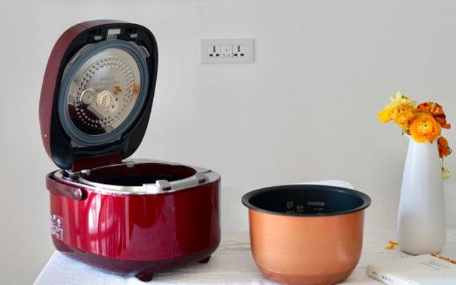 真空保温保鲜,这电饭煲让美食博主都爱不释手 — 东芝真空压力电饭煲体验 | 视频