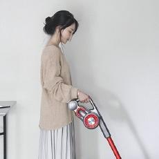超長續航的吸塵器,上手舒服、吸力強大,房子再大清潔都不愁!