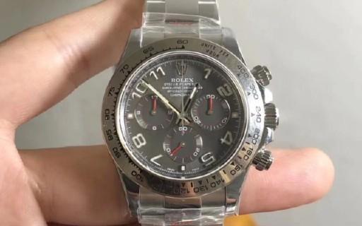 小叶说表:你真的知道手表钢带和皮带保养技巧吗