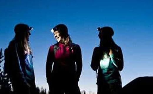 黑鉆Gizmo頭燈:光照強力射程長,輕便易攜戶外必備