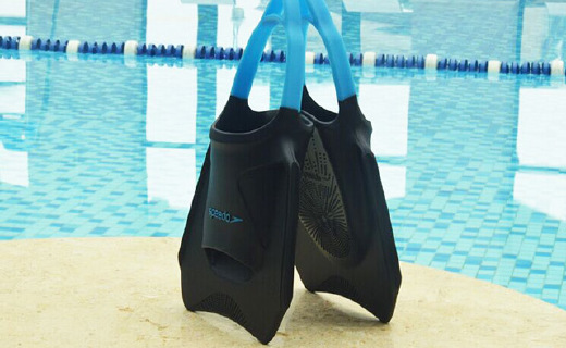 速比濤蹼狀腳套,游泳進階之選,無腳跟設計水中岸上都行動自如