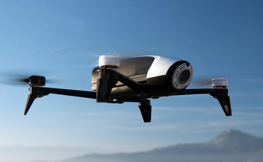 派诺特Parrot Bebop2无人机:小巧易操控,FPV眼镜让你遨游天际
