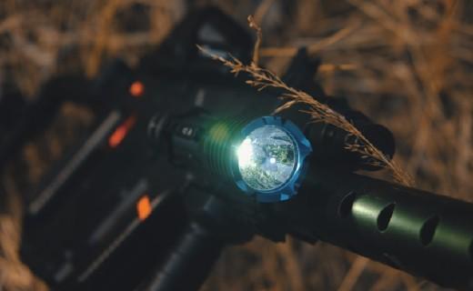 高流明远射耐造,致敬经典同时再度升级——OLIGHT武士X旗舰战术手电