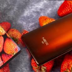 """「万博体育max下载」确认过眼神,瀑布屏+骁龙865,是一台""""精致""""的5G旗舰该有的样子"""