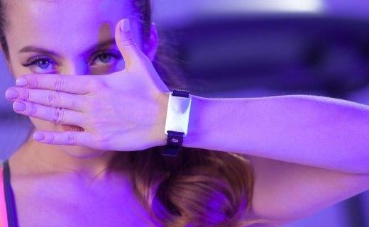 """随身佩戴的体脂秤!Apple Watch第三方""""智能表带""""问世,健康状况一碰即知"""