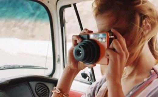 徠卡Sofort拍立得相機 :時尚配色小巧可愛,即拍即得留住美麗瞬間