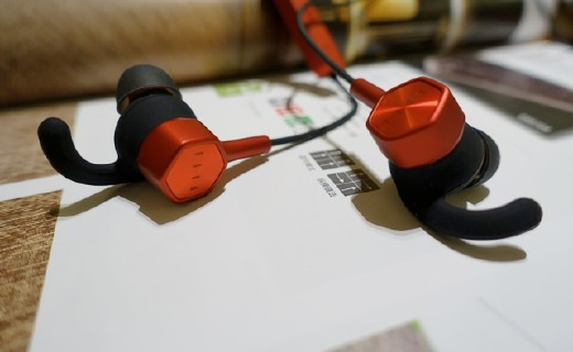 这是一款更适合跑步的专业无线运动耳机——FIIL Runner体验!