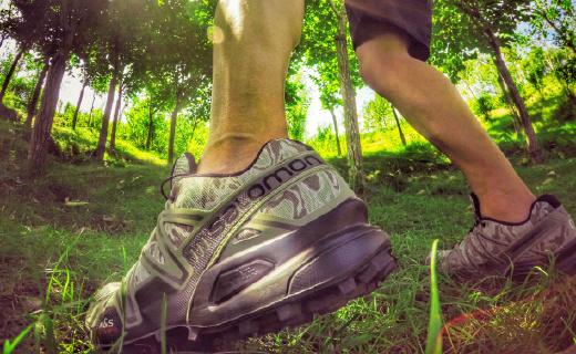 及超强功能和颜值于一身,越野跑穿这双鞋爽到爆