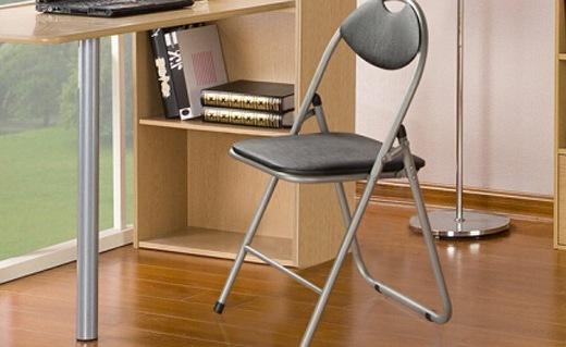好事達折疊椅子:PU皮革坐墊,坐感柔軟舒適