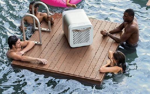 全防水设计泳池party神器,冰箱音箱一肩挑!