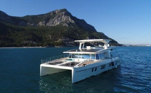 游艇中的特斯拉來了!Serenity環保游艇將使用太陽能發電